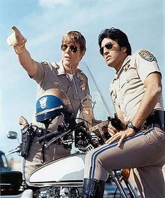 referred to a corny TV show about motorcycle cops (California Highway Patrol) instead of fried potato slices. Larry Wilcox, Photo Vintage, Vintage Tv, Classic Series, Classic Tv, Pulp Fiction, Detective, Mejores Series Tv, Nostalgia