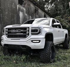 jacked up trucks chevy Gmc Pickup Trucks, Gm Trucks, Diesel Trucks, Cool Trucks, Gmc Suv, Z71 Truck, Gmc Diesel, Powerstroke Diesel, Jeep Truck