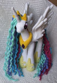My Little Pony: Friendship is Magic - Princess Celestia - Free Amigurumi Pattern ~~~ Wow! This is a really nice pattern. Crochet Pony, Crochet Horse, Crochet Unicorn, Crochet Amigurumi, Cute Crochet, Amigurumi Patterns, Crochet Animals, Crochet Crafts, Crochet Dolls
