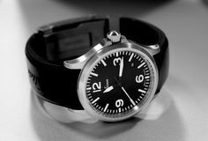 SINN 556 A black silicone strap Fancy Clock, Sinn Watch, Seiko Diver, Vintage Rolex, Breitling, Omega Watch, Watches For Men, Mens Fashion, Accessories