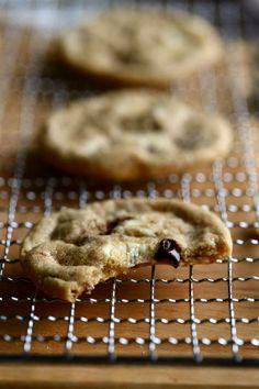 Gluteenittomat suklaahippukeksit - Suklaapossu Cookie Recipes, Cookies, Desserts, Food, Crack Crackers, Tailgate Desserts, Biscuits, Meal, Dessert