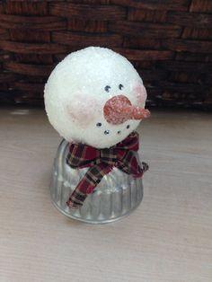 Glittered Snowman by SnowflakesToSnowmen on Etsy