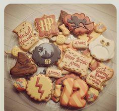 """@madrimahtani on Instagram: """"Harry Potter Cookies #madriscookiekitchen #decoratedcookies #harrypotter #mischiefmanaged"""""""