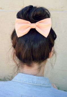 definitely trying this sock bun with bow!