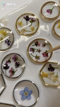 Diy Resin Projects, Diy Resin Art, Diy Resin Crafts, Diy Crafts Hacks, Diy Crafts For Gifts, Jewelry Crafts, Arts And Crafts, Paper Crafts, Handmade Wire Jewelry