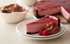 Chilled Raspberry Cheesecake ~ chocolate crust & fruit preserve glaze, choc whipped cream, and fresh berries Chocolate Raspberry Cheesecake, Chocolate Whipped Cream, Raspberry Desserts, Fall Dessert Recipes, Fall Desserts, Dessert Ideas, Valentine Desserts, Fall Baking, Recipe Details