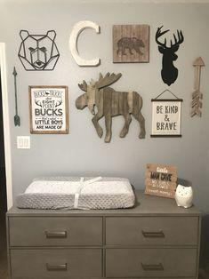 Woodland Baby Nursery, Grey Nursery Boy, Baby Boy Nursery Themes, Bear Nursery, Nursery Decor Boy, Baby Boy Rooms, Baby Boy Nurseries, Nursery Room, Woodland Room
