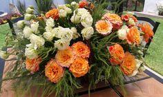 Lisianthus y rosas