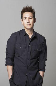 lee sun gyun actor lee sun gyun of many hit dramas including coffee ...