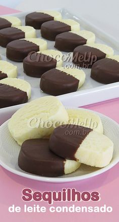 These sweetened condensed milk crackers are delicious, super easy to . - These condensed milk crackers are delicious, super easy to make, and melt in your mouth so soft. Köstliche Desserts, Delicious Desserts, Plated Desserts, Dessert Recipes, Brownie Cookies, Condensed Milk, Keto Snacks, Sweet Recipes, Food And Drink
