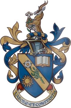 1000+ ideas about Family Crest on Pinterest | Coat Of Arms, Family ...
