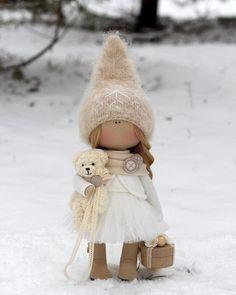 """442 Me gusta, 25 comentarios - Куклы ручной работы (@_little_dolls_) en Instagram: """"Продается  #littledolls #winter #куклыольгипономаревой #куклыручнаяработа"""""""