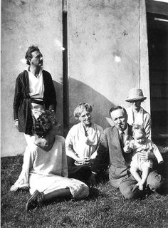 Rudolph Schindler (on the left) with Pauline and friends.