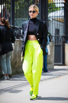 Inspire me: the end of the summer is all about neon colours! Color Trends, Parachute Pants, Harem Pants, Classy, Neon, Colours, Summer, Inspiration, Lime