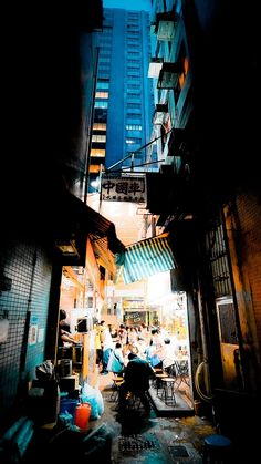 Alley in Kowloon Central, HK