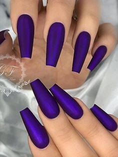 make-up Cute Satin Matte Dark Purple On Coffin Shaped Nails Set , niedliche satin matte . Dark Purple Nails, Purple Acrylic Nails, Dark Nails, Best Acrylic Nails, Matte Nails, Purple Art, 3d Nails, Acrylic Art, Purple Nail Designs