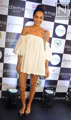 #LisaHaydon in an off-shoulder little dress