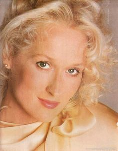 Who is this glorious human being? Oh, it is Meryl Streep and all her gorgeousness.