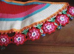 Net thuis van werken. Vanmiddag doe ik niks meer als alleen maar haken!!!! #blijeomslagdoekhaken #craftastherapy #happy #uncinetto #crochet #haken #stolahaken #crochetcolor #colorful #craftastherapy_lookingdown