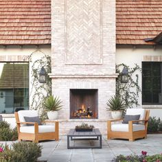 39 Amazing Outdoor Fireplace Design - Setting up a fireplace will dramatically increase the value and appeal of the room and surrounding rooms in any home. But when it comes to the surroun. Outdoor Rooms, Outdoor Living, Outdoor Decor, Outdoor Kitchens, Outdoor Ideas, Outdoor Fireplace Designs, Backyard Fireplace, Outdoor Fireplaces, Arizona