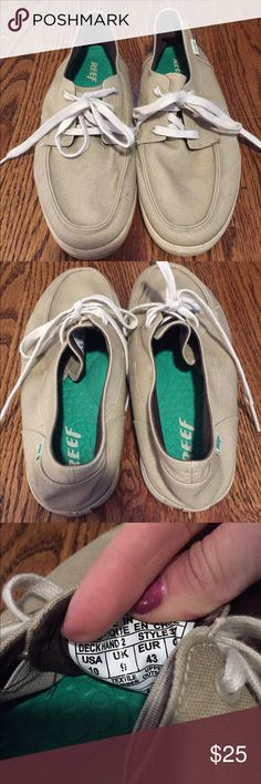 REEF Deckhand Two Mens Lace Up Boat Shoe Sz 10 Pre loved but in great condition. Pet & smoke free home. Helping my boyfriend clean out his closet. This could be cleaned up really nicely! No holes or rips or anything! They are a taupe / dark beige color. Reef Shoes Boat Shoes