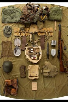 Military Guns, Military Photos, Military Art, Military History, Ww2 Uniforms, Military Uniforms, Army Gears, Army Infantry, Army Uniform
