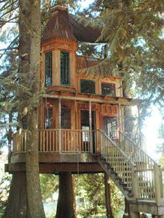 I would kind of be a little afraid of the house being in the tree. What if the tree fell from a bad storm? Future House, My House, Town House, Outdoor Spaces, Outdoor Living, Outdoor Play, Beautiful Homes, Beautiful Places, Cool Tree Houses