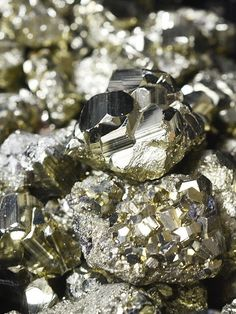 aving a raw pyrite crystal on your office desk, or in your business, invites in abundance, prosperity, success and wealth. Because it's connected with the solar plexus chakra, it also increases willpower, motivation and personal power—it's an especially powerful crystal for men to have. Connect with the energy of Pyrite when you need a little encouragement, positivity and uplifting, especially when it comes to your career or passion. Try this pyrite use for wealth & abundance!