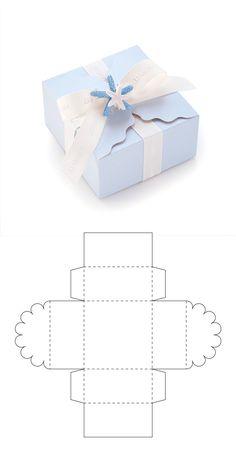 Diy Geschenk Basteln – Cajita para recuerdo de bautizo - Gifts For Teens Packaging Carton, Gift Packaging, Diy Crafts For Gifts, Handmade Crafts, Foam Crafts, Paper Box Template, Box Templates, Printable Templates, Diy Gift Box Template
