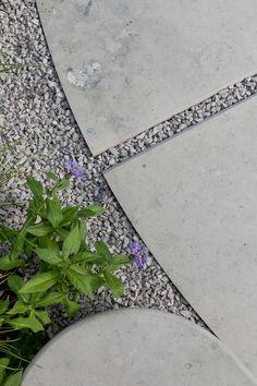 Gold medal winning show garden by Tom Simpson Design Hampton Court Flower Show, Rhs Hampton Court, Landscape Design, Garden Design, Tom Simpson, Limestone Paving, Green Garden, Design Awards, Water Features