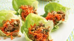Thai Turkey Lettuce Wraps /Lettuce leaves add refreshing crunch to a Thai-seasoned filling. They go from start to finish in 30 minutes. Ground Turkey Lettuce Wraps, Thai Lettuce Wraps, Lettuce Wrap Recipes, Lettuce Cups, Turkey Wraps, Salad Wraps, 10 Day Detox Diet, Detox Diet Recipes, Healthy Recipes