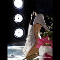 Te mostramos el detrás de escena <3  #desnudashoes #love #wedding #trasbambalinas #amor