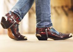 e love a good cowboy boots. Best Cowboy Boots, Cowboy Boot Outfits, Cowboy Shoes, Leather Chelsea Boots, Leather Shoes, Men's Shoes, Shoe Boots, Vintage High Heels, Estilo Country