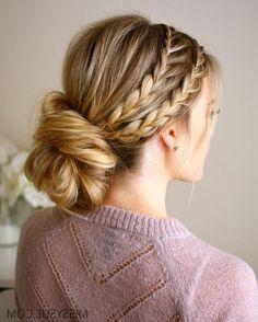 tresse collé, deux tresses collées de côté et chignon bas, cheveux blonds