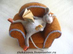 Изображение Needle Felted Animals, Felt Animals, Needle Felting, Paper Mache Crafts, Jute Crafts, Pottery Animals, Quirky Art, Felt Mouse, Cute Mouse
