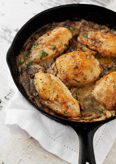 A quick and easy one-pot tarragon chicken with mushrooms, features chicken and mushrooms in a creamy mustard and tarragon sauce. A great weeknight meal!