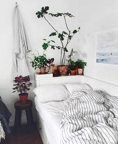 Finally feels like here in NYC 🍁 Stay cozy, friends! Dream Rooms, Dream Bedroom, Home Bedroom, Bedroom Decor, Bedrooms, My New Room, My Room, Houses Architecture, Piece A Vivre