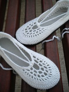 The Clouds - White Crochet Shoes with Grey Template by SoleilDuAutomne, via Flickr
