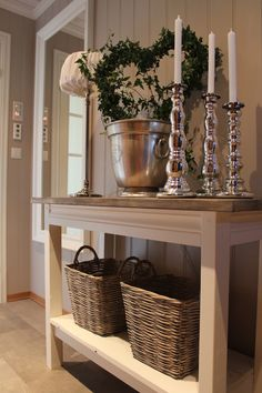 Lindevegen – Home Decoration Decoration Shabby, Home And Living, Living Room, Interior Inspiration, Consoles, Entryway Tables, Home Furniture, Interior Decorating, Sweet Home