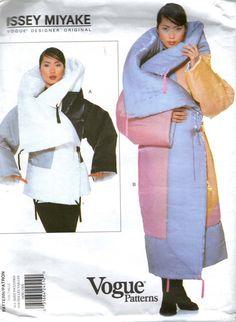 Issey Miyake 1859 Vogue Desginer Original di JerseyGirlPatterns, $99.00