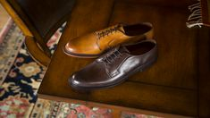 The Leeds Plain-Toe Lace-Up Oxford dress shoe has the sophisticated look any professional would be proud to wear. First Job, Allen Edmonds, Take The First Step, Leeds, Leather Shoes, Derby, Shoe Boots, Oxford Shoes, Dress Shoes