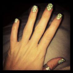 Polky dot gel nails Gel Shellac Nails, Polka Dot, Dots, Green Cream, Nail Designs, Beauty, Stitches, Polka Dots, Nail Desings
