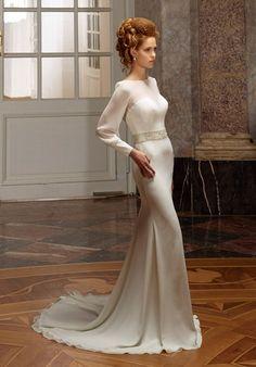 Elegantes schmal geschnittenes Hochzeitskleid aus Chiffon in Elfenbein und Silber - von Diane Legrand