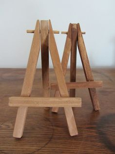 Mini Wooden Tabletop Easels 7 Count