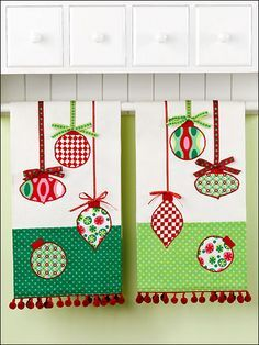 More Christmas tea towels Christmas Towels, Christmas Tea, Christmas Sewing, Christmas Projects, Holiday Crafts, Christmas Sheets, Christmas Patterns, Dish Towels, Tea Towels
