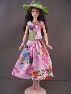 Paipillon. Zelfgemaakte Barbie kleding te koop via marktplaats bij de advertenties van Nala fashion. VERKOCHT