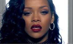 A maquiagem de Rihanna no clipe Can't Remember to Forget You - Tudo Make – Maior blog de maquiagem, beleza e tutoriais de Curitiba.