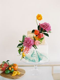 Tropical wedding cake. Photography : Charla Storey Read More on SMP: http://www.stylemepretty.com/texas-weddings/dallas/2016/08/18/playful-glam-palm-springs-garden-party-inspiration-shoot/