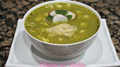 How to make Pozole Verde Posole Verde, How To Make Pozole, Chile Poblano, Garlic Bulb, Mexican Food Recipes, Ethnic Recipes, Chicken Legs, Palak Paneer, Food And Drink
