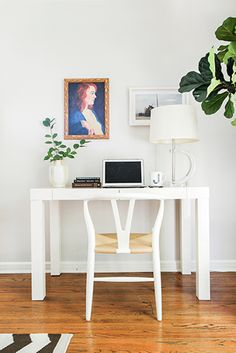 3. Plants! Get some oxygen into your workspace with the easy-to-care-for versions of our little green friends. Plants add depth, color, and actual health benefits to a space. www.levo.com